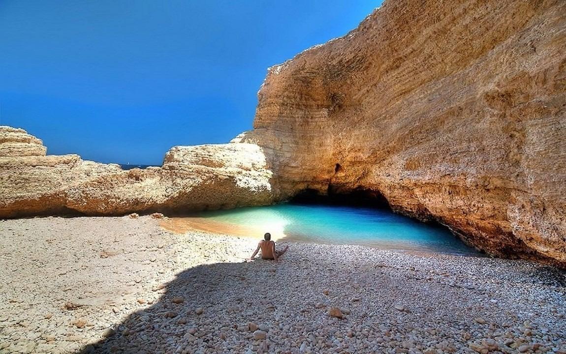 Pori Bay_Gala cave