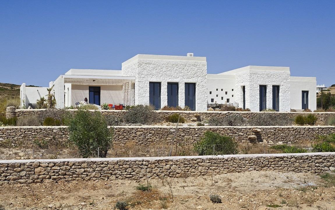 Villa Parathira_East facade